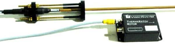 摘要:温度是评估发电机状态的关键参数。本文将介绍两个有效监测发电机温度的方法,以及它们在两个不同电厂的应用。 其中一个是加拿大魁北克省梅西埃Mercier水力发电厂, 他们的一台机组长期过热。电厂一直在使用主机厂[OEM]的系统监测转子磁极温度,该系统直接安装在转子上。但电厂希望采用永久性的转子温度监测方案来替代原有系统。VibroSystM在现场安装了ThermaWatch RotorTM 转子温度监测传感器。本文第一部分将探讨使用非接触式测量技术来监测大型旋转电机的转子磁极表面,线圈绕组和连接部